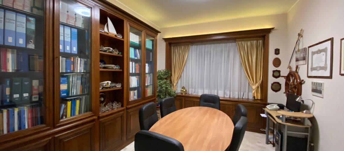 Foto dell'ampia sala riunioni dello studio commercialistico Grillo a Varese